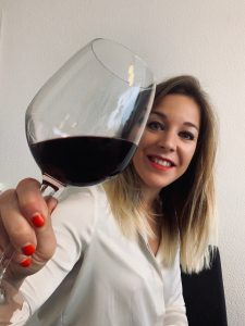 The tester of the wine glass Amélie Cuhat